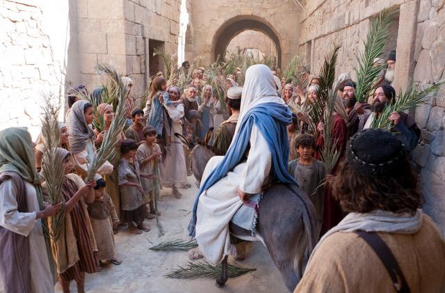 jesus-christ-triumphal-entry-949744-wallpaper